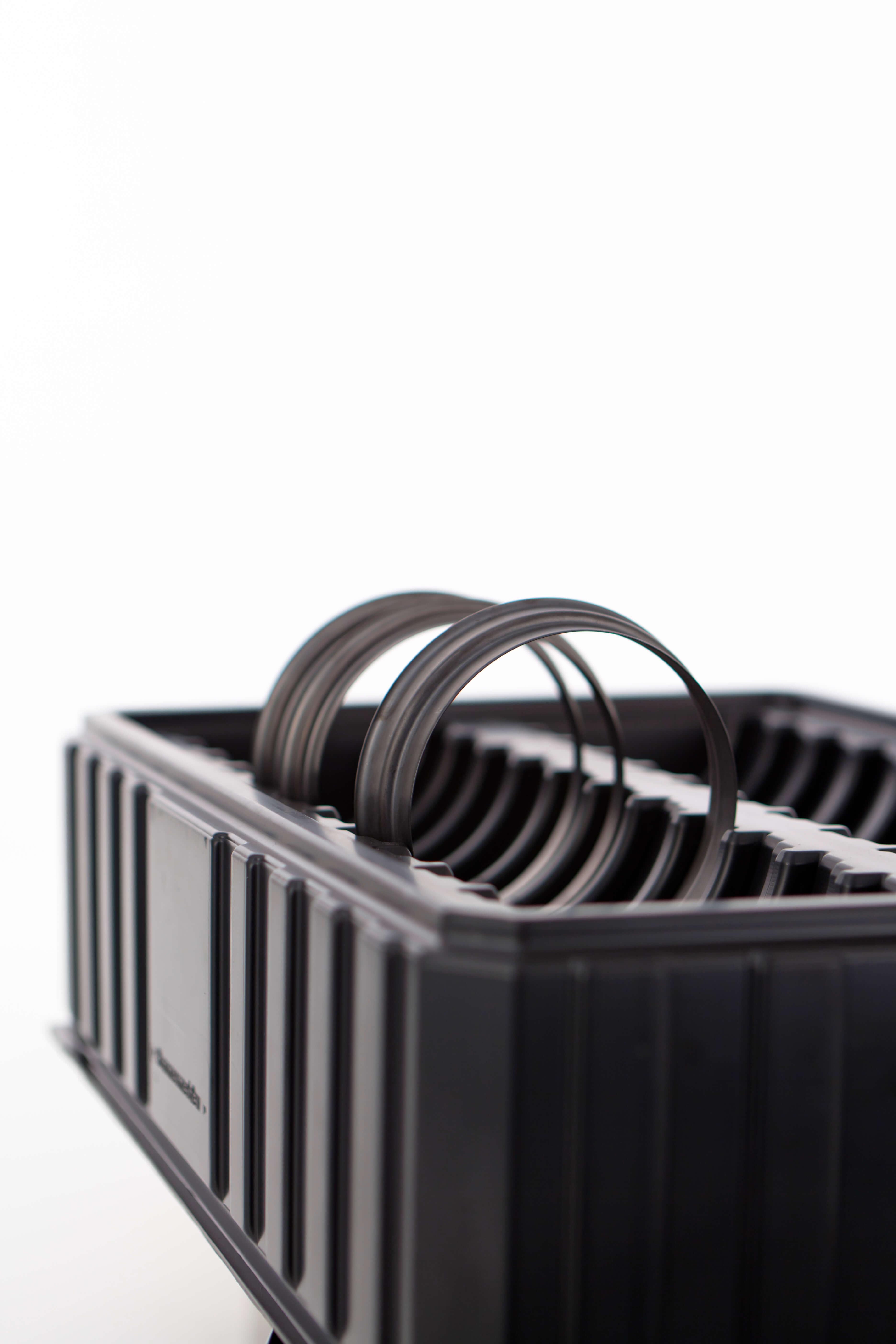 nestbare und stapelbare Zwischenlagen aus Kunststoff