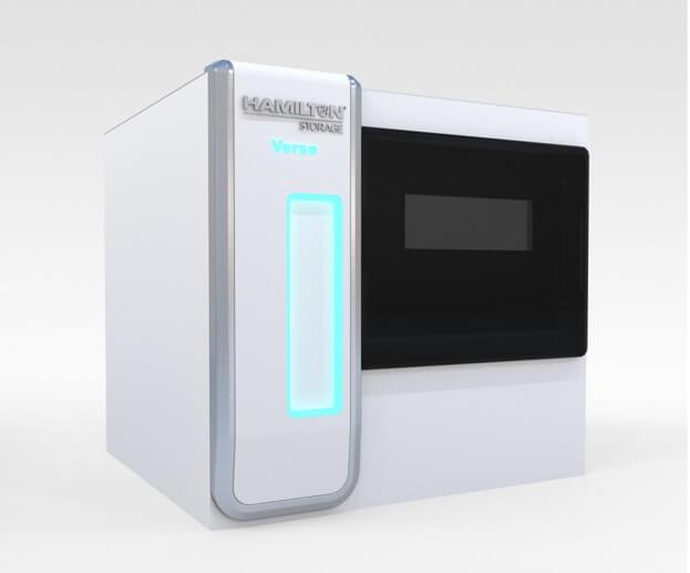 weiße Hamilton-Storage Kunststoff-Formteile mit Hamilton Logo