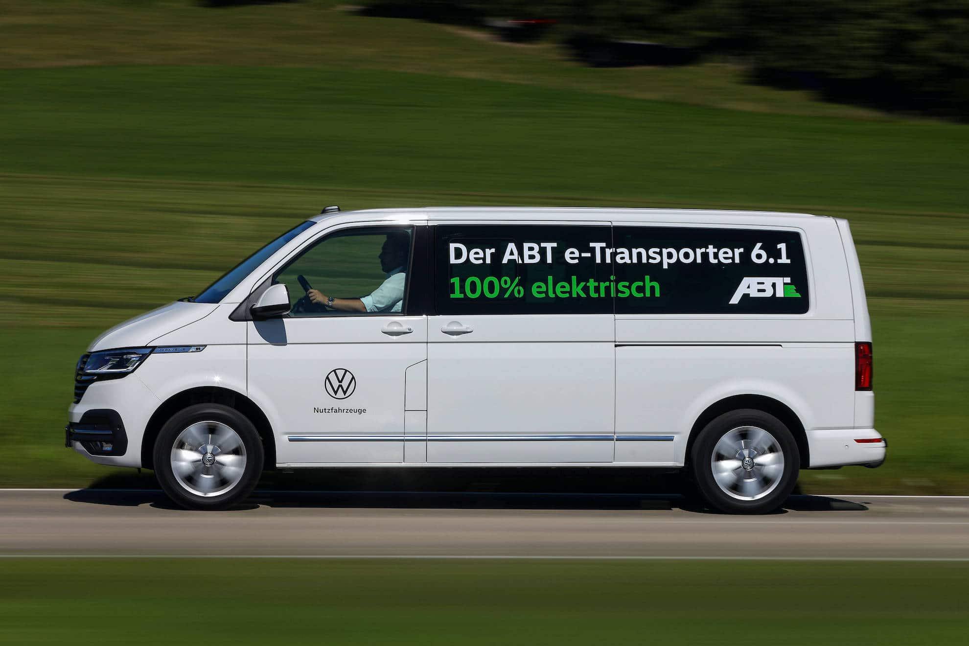 ABT e-Caravelle auf einer Landstraße